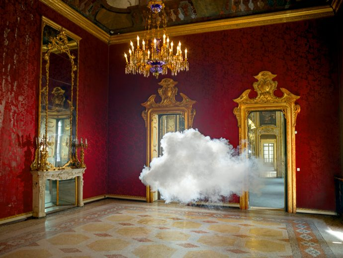 Berndnaut-Smilde,-Nimbus-Litta,-2013,-Courtesy-the-artist-and-Ronchini-Gallery-(2)_WEB