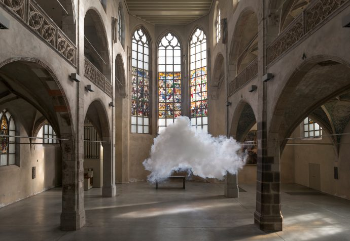 Berndnaut-Smilde,-Nimbus-Sankt-Peter,-2014,-Kunst-Station-Sankt-Peter,-Cologne,-Courtesy-the-artist-and-Ronchini-Gallery-(2)_WEB