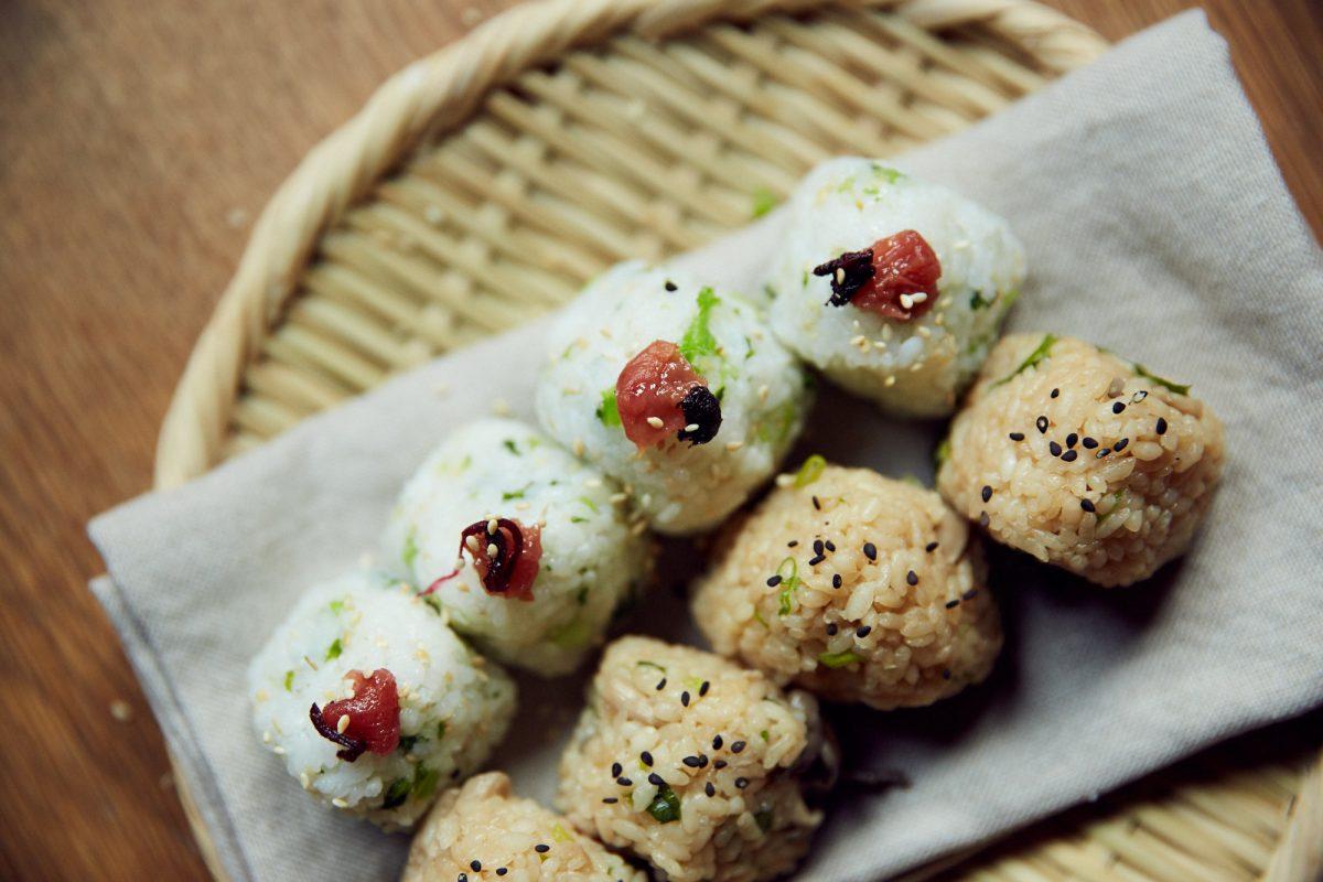 Portable picnic: onigiri | Assemble Papers